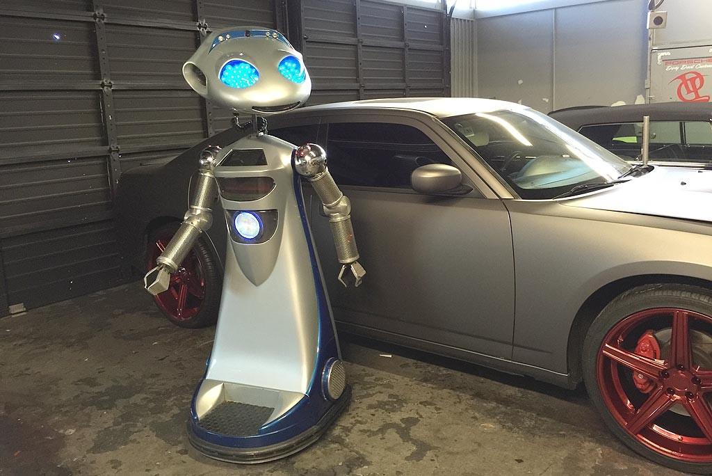 product-launch-robots