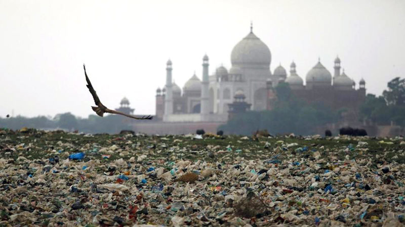 Garbage & pollution in India - Robot Millennia helps